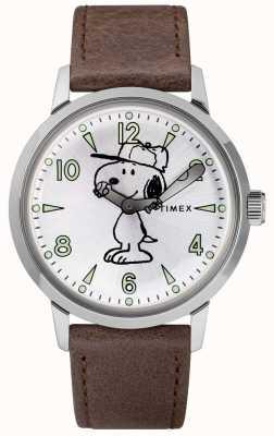 Timex Серебряный циферблат Snoopy Welton с коричневым кожаным ремешком TW2R94900