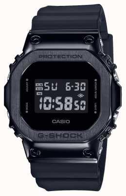 Casio G-Shock металлический безель серии | черный ремешок из смолы | цифровой GM-5600B-1ER