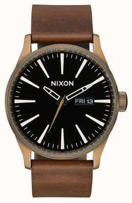 Nixon Часовая кожа | латунь / черный / коричневый | коричневый кожаный ремешок | черный циферблат A105-3053-00