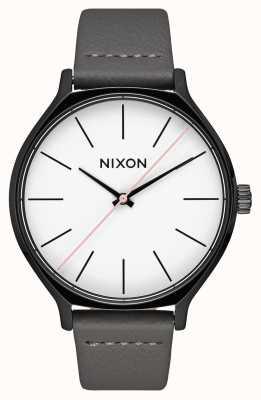 Nixon Кожа Clique   черный / серый   серый кожаный ремешок   белый циферблат A1250-007-00